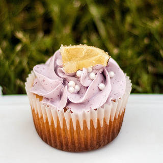 blackberry_cupcake.jpg