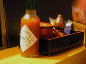 (from left) Tabasco, soy sauce, sansyo (Japanese hot pepper), toothpicks