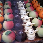 Tiny little Halloween cakes