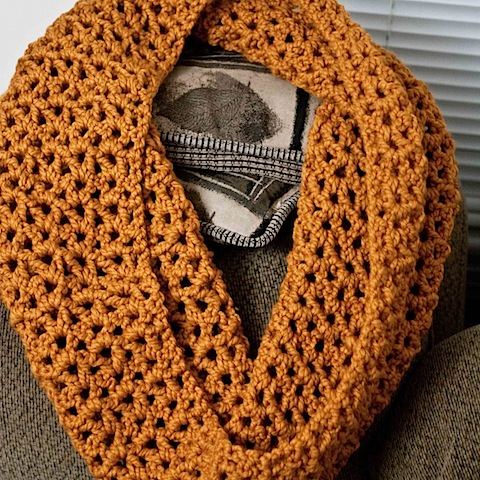 Crafty Tutorial: Super-Chunky Crocheted Infinity Scarf [Free Pattern ...